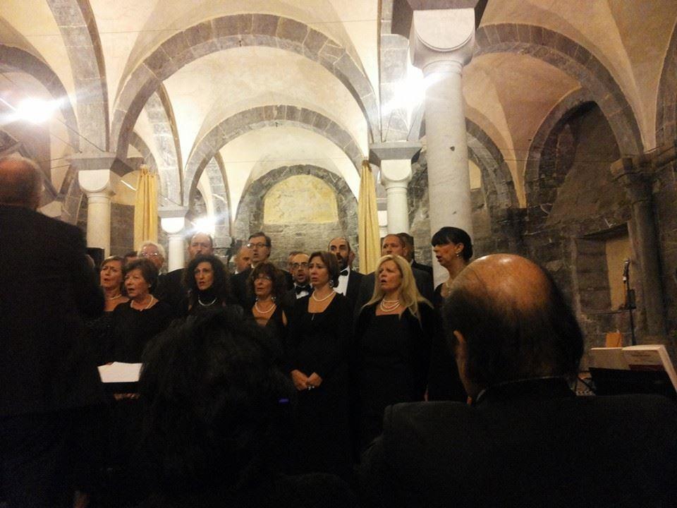 COMMENDA-2013-12-ottobre-Concero-2  Chiostri-2013-Concerto-presentazione  Chiostri-2013-Concerto-il-moderatore  Chiostri-2013-Concerto-pianista  Commenda-1-soprano  Chiostri-2013-Coro-dal-Va-pensiero