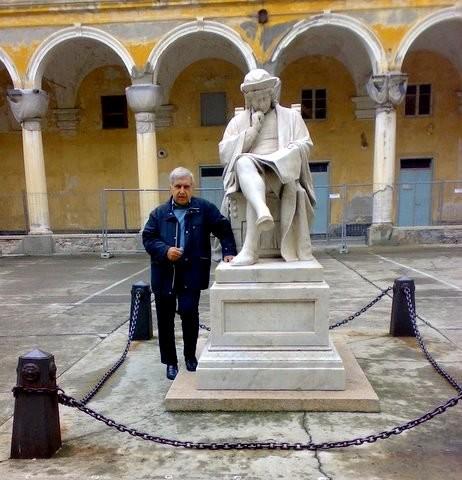 LICEO-COLOMBO-statua  Liceo-scritte-su-monumento-anteriore-1024x153  Liceo-Colombo-posteriore  LICEO-COLOMBO-Monumento