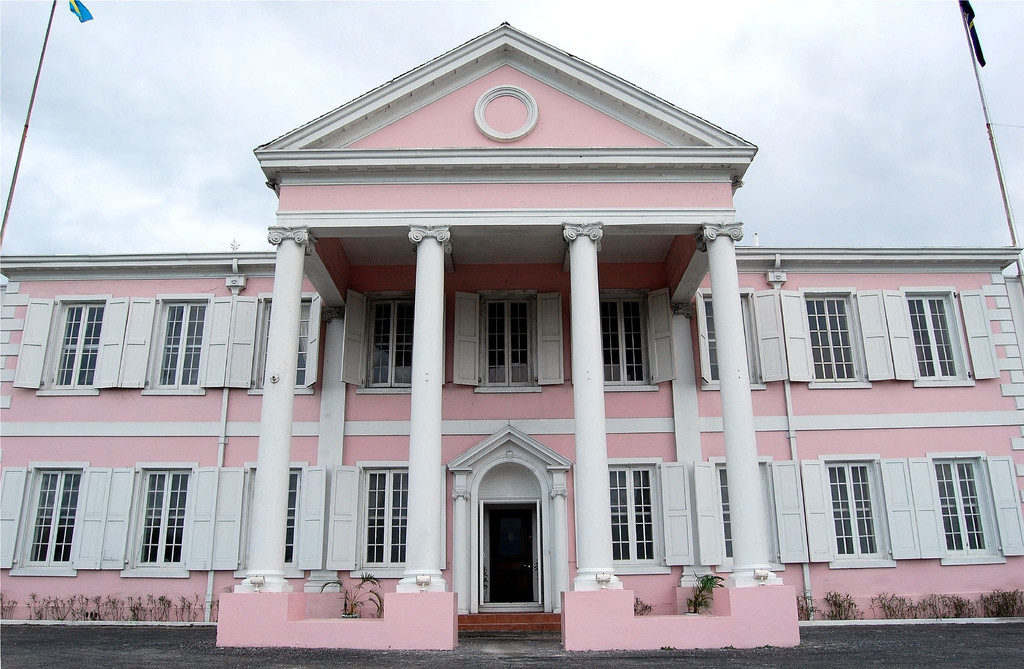 COLOMBO-MONUMENTO-NASSAU-BAHAMAS-Government-House-1024x672  COLOMBO-MONUMENTO-NASSAU-BAHAMAS-Sede-governo.-DOC-1024x669