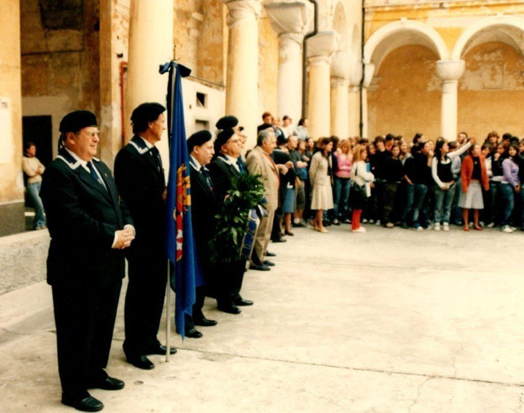 LICEO-COLOMBO-statua  LICEO-COLOMBO-DOC-DOC-DOC-copertina-1024x697  LICEO-COLOMBO-foglio-lato-interno-programma-DOC-1024x710  LICEO-COLOMBO-cerimonia  Liceo-Colombo-DOC-doc-doc-ANMI-1024x806