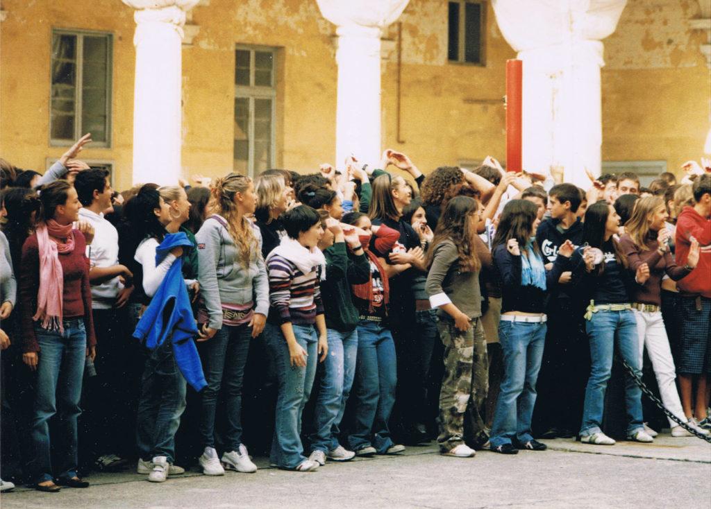 LICEO-COLOMBO-statua  LICEO-COLOMBO-DOC-DOC-DOC-copertina-1024x697  LICEO-COLOMBO-foglio-lato-interno-programma-DOC-1024x710  LICEO-COLOMBO-cerimonia  Liceo-Colombo-DOC-doc-doc-ANMI-1024x806  Liceo-Colombo-1-doc-pubblico-attento  LICEO-COLOMBO-recita  LICEO-COLOMBO-Tomaello  LICEO-COLOMBO-2-gli-attori-saluti-al-pubblico  Liceo-Colombo-Coro-Nugae-M°-Giovanni-Parodi  Liceo-Cristoforo-Colombo-di-Genova-20-maggio-2006-500°-anniversario-della-morte-di-Cristoforo-Colombo-a-Valladolid-il-20-maggio-1506-Cerimonia-commemorativa-nel-piazzale-del-Liceo.-1024x734