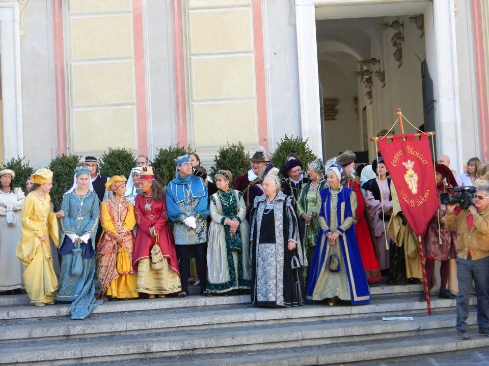 CHIOSTRI-2011-volantino-1-1024x724  CHIOSTRI-2011-volantino-2-1024x720  CHIOSTRI-2011-volantino-Comune-lato-A-989x1024  CHIOSTRI-2011-volantino-omune-993x1024  CHIOSTRI-2011-Città-di-Savona-foto-ricordo-a-Porta-Soprana  CHIOSTRI-2011-Città-di-Savona-a-Porta-Soprana  Chiostri-2011-vico-dritto-Ponticello  Chiostri-2011-Vico-dritto-Ponticello-si-parte  CHIOSTRI-2011-Gabriella-con-nipotina-alla-cosiddetta-casa-di-Colombo-1024x768  CHIOSTRI-2011-Città-di-Savona-Contea-Spinola-e-altri-al-Ducale