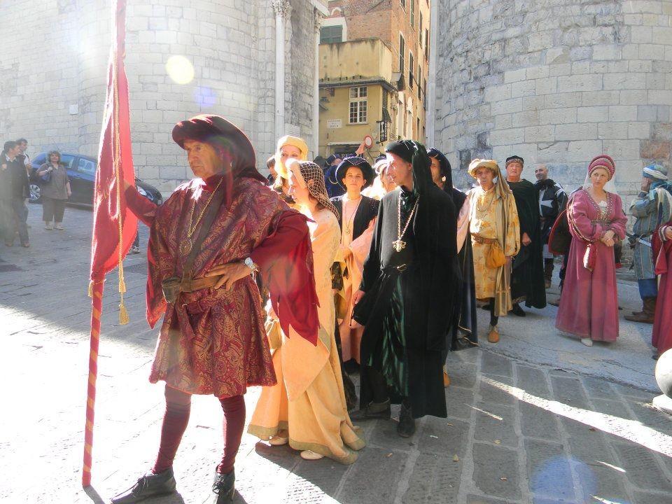 CHIOSTRI-2011-volantino-1-1024x724  CHIOSTRI-2011-volantino-2-1024x720  CHIOSTRI-2011-volantino-Comune-lato-A-989x1024  CHIOSTRI-2011-volantino-omune-993x1024  CHIOSTRI-2011-Città-di-Savona-foto-ricordo-a-Porta-Soprana  CHIOSTRI-2011-Città-di-Savona-a-Porta-Soprana