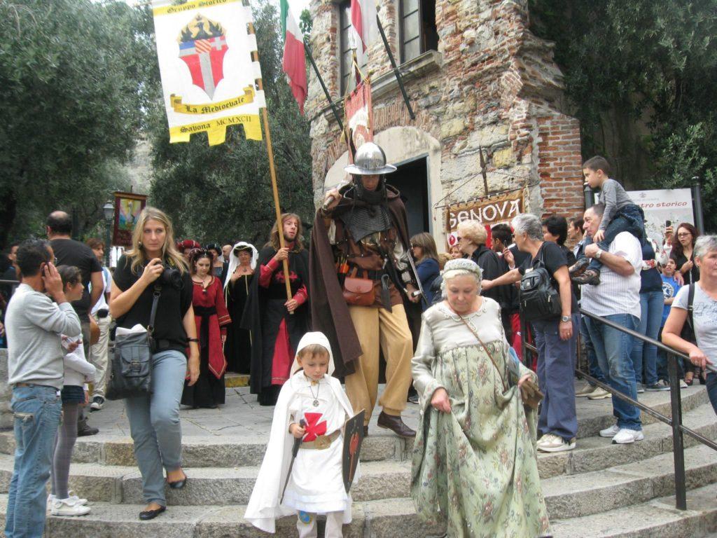 CHIOSTRI-2011-volantino-1-1024x724  CHIOSTRI-2011-volantino-2-1024x720  CHIOSTRI-2011-volantino-Comune-lato-A-989x1024  CHIOSTRI-2011-volantino-omune-993x1024  CHIOSTRI-2011-Città-di-Savona-foto-ricordo-a-Porta-Soprana  CHIOSTRI-2011-Città-di-Savona-a-Porta-Soprana  Chiostri-2011-vico-dritto-Ponticello  Chiostri-2011-Vico-dritto-Ponticello-si-parte  CHIOSTRI-2011-Gabriella-con-nipotina-alla-cosiddetta-casa-di-Colombo-1024x768