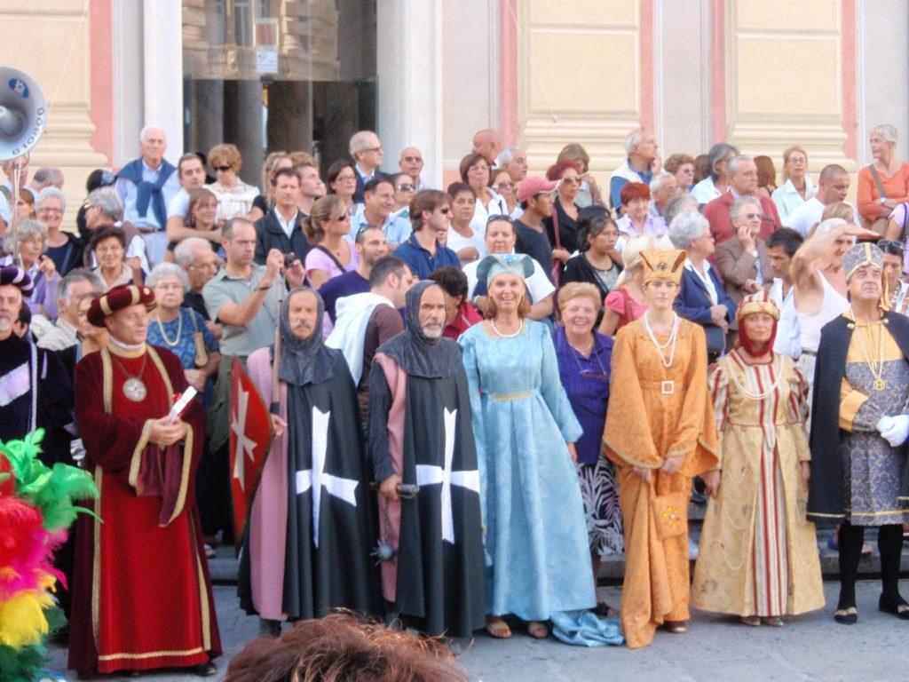CHIOSTRI-2011-volantino-1-1024x724  CHIOSTRI-2011-volantino-2-1024x720  CHIOSTRI-2011-volantino-Comune-lato-A-989x1024  CHIOSTRI-2011-volantino-omune-993x1024  CHIOSTRI-2011-Città-di-Savona-foto-ricordo-a-Porta-Soprana  CHIOSTRI-2011-Città-di-Savona-a-Porta-Soprana  Chiostri-2011-vico-dritto-Ponticello  Chiostri-2011-Vico-dritto-Ponticello-si-parte  CHIOSTRI-2011-Gabriella-con-nipotina-alla-cosiddetta-casa-di-Colombo-1024x768  CHIOSTRI-2011-Città-di-Savona-Contea-Spinola-e-altri-al-Ducale  CHIOSTRI-2011-Città-di-Savona-a-de-Ferrari  Chiostri-2011-forse-De-Ferrari  CHIOSTRI-2011-M.Grazia-Costa-a-De-Ferrari-1-1024x768