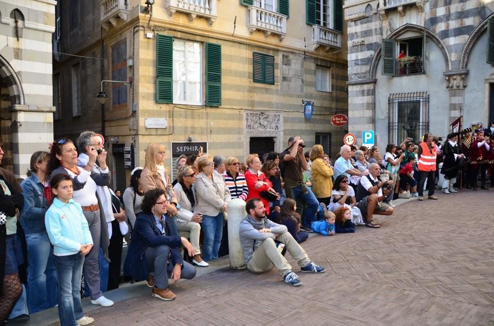 CHIOSTRI-2011-volantino-1-1024x724  CHIOSTRI-2011-volantino-2-1024x720  CHIOSTRI-2011-volantino-Comune-lato-A-989x1024  CHIOSTRI-2011-volantino-omune-993x1024  CHIOSTRI-2011-Città-di-Savona-foto-ricordo-a-Porta-Soprana  CHIOSTRI-2011-Città-di-Savona-a-Porta-Soprana  Chiostri-2011-vico-dritto-Ponticello  Chiostri-2011-Vico-dritto-Ponticello-si-parte  CHIOSTRI-2011-Gabriella-con-nipotina-alla-cosiddetta-casa-di-Colombo-1024x768  CHIOSTRI-2011-Città-di-Savona-Contea-Spinola-e-altri-al-Ducale  CHIOSTRI-2011-Città-di-Savona-a-de-Ferrari  Chiostri-2011-forse-De-Ferrari  CHIOSTRI-2011-M.Grazia-Costa-a-De-Ferrari-1-1024x768  CHIOSTRI-2011-in-San-Matteo-DOC  Chiostri-2011-011  Chiostri-2011-I-Fieschi-di-Casella-a-S.Matteo  CHIOSTRI-2011-Sagrato-di-San-Matteo-20^-edizione-il-pubblico-si-adegua-alla-piazzetta