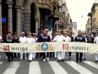CHIOSTRI-2012-domenica-7-ottobre-2012-Vespucci-in-via-XX-settembre-entra-a-de-Ferrari-326x245