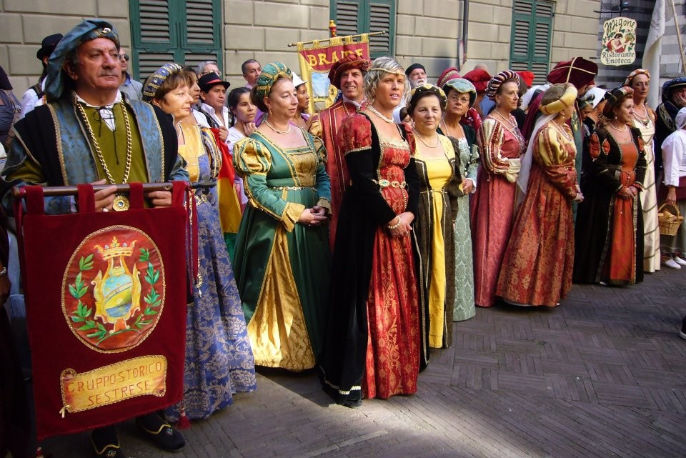 CHIOSTRI-2011-volantino-1-1024x724  CHIOSTRI-2011-volantino-2-1024x720  CHIOSTRI-2011-volantino-Comune-lato-A-989x1024  CHIOSTRI-2011-volantino-omune-993x1024  CHIOSTRI-2011-Città-di-Savona-foto-ricordo-a-Porta-Soprana  CHIOSTRI-2011-Città-di-Savona-a-Porta-Soprana  Chiostri-2011-vico-dritto-Ponticello  Chiostri-2011-Vico-dritto-Ponticello-si-parte  CHIOSTRI-2011-Gabriella-con-nipotina-alla-cosiddetta-casa-di-Colombo-1024x768  CHIOSTRI-2011-Città-di-Savona-Contea-Spinola-e-altri-al-Ducale  CHIOSTRI-2011-Città-di-Savona-a-de-Ferrari  Chiostri-2011-forse-De-Ferrari  CHIOSTRI-2011-M.Grazia-Costa-a-De-Ferrari-1-1024x768  CHIOSTRI-2011-in-San-Matteo-DOC  Chiostri-2011-011  Chiostri-2011-I-Fieschi-di-Casella-a-S.Matteo  CHIOSTRI-2011-Sagrato-di-San-Matteo-20^-edizione-il-pubblico-si-adegua-alla-piazzetta  CHIOSTRI-2011-Gatteschi-a-San-Matteo  Chiostri-2011-San-Matteo-Sestrese-DOC-1