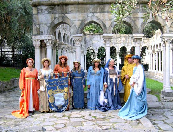 CHIOSTRI-2006-8-ottobre-2006-Gruppo-Storico-Fieschi-di-Casella-al-Chiostro-di-S.Andrea