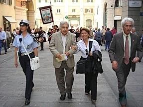 CHIOSTRI-2006-copertina-672x1024  CHIOSTRI-2006-volantino-a-538x1024  CHIOSTRI-2006-volantino-12-ottobre-538x1024  CHIOSTRI-2006-ARTICOLI-LA-REPUBBLICA-8-ottobre-2006-La-festa-nei-chiostri-del-giovane-Colombo-797x1024  CHIOSTRI-2006-Porta-Soprana  CHIOSTRI-2006-scritta-cancellat-Compagnia-dei-Viandanti-Chiostri-2006  CHIOSTRI-2006-cosiddetta-casa-di-Colombo  CHIOSTRI-2006-8-ottobre-2006-Gruppo-Storico-Fieschi-di-Casella-al-Chiostro-di-S.Andrea  CHIOSTRI-2006-san-Andrea  CHIOSTRI-2006-Chiostri-a-Matteotti  CHIOSTRI-2006-gonfaloni-a-San-Matteo  CHIOSTRI-2006-scene-di-corte-a-S.-Matteo  CHIOSTRI-2006-san-Matteo-Aleramici  CHIOSTRI-2006-astesi  CHIOSTRI-2006-Viandanti-a-S.Matteo  CHIOSTRI-2006-San-Matteo  CHIOSTRI-2006-combattimento-a-S.-Matteo  CHIOSTRI-2006-Astesi-a-S.-Matteo  CHIOSTRI-2006-Sbandieratori-a-San-Matteo.  CHIOSTRI-2006-trasferimento-da-San-Matteo-a-caricamento  CHIOSTRI-2006-Corteo-a-Campetto  CHIOSTRI-2006-orteo-in-via-Luccoli  CHIOSTRI-2006-DOC-Astesi-a-S.-Matteo  CHIOSTRI-2006-Contea-Spinola-a-Caricamento-2  CHIOSTRI-2006-Contea-Spinola-a-Caricamento  CHIOSTRI-2006-ANMI-a-Caricamento  CHIOSTRI-2006-sbandieratori-a-Caricamento  CHIOSTRI-2006-folla-incredibile-a-Caricamento  CHIOSTRI-2006-Io-Antonietta-e-Gianni