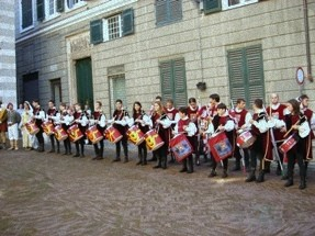 CHIOSTRI-2006-copertina-672x1024  CHIOSTRI-2006-volantino-a-538x1024  CHIOSTRI-2006-volantino-12-ottobre-538x1024  CHIOSTRI-2006-ARTICOLI-LA-REPUBBLICA-8-ottobre-2006-La-festa-nei-chiostri-del-giovane-Colombo-797x1024  CHIOSTRI-2006-Porta-Soprana  CHIOSTRI-2006-scritta-cancellat-Compagnia-dei-Viandanti-Chiostri-2006  CHIOSTRI-2006-cosiddetta-casa-di-Colombo  CHIOSTRI-2006-8-ottobre-2006-Gruppo-Storico-Fieschi-di-Casella-al-Chiostro-di-S.Andrea  CHIOSTRI-2006-san-Andrea  CHIOSTRI-2006-Chiostri-a-Matteotti  CHIOSTRI-2006-gonfaloni-a-San-Matteo  CHIOSTRI-2006-scene-di-corte-a-S.-Matteo  CHIOSTRI-2006-san-Matteo-Aleramici  CHIOSTRI-2006-astesi