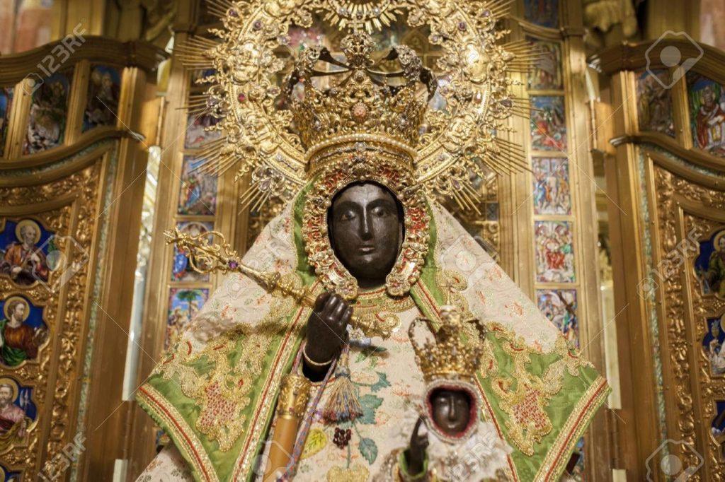 GUADALUPA-cece-con-la-croce-1024x694  Monasterio_de_Guadalupe-DOC-1024x766  Madonna-di-Guadalupe-statua-di-cedro-polycromed-Closeup-Monastero-di-Santa-Maria-de-Guadalupe-Cacere-Archivio-Fotografico-1024x682