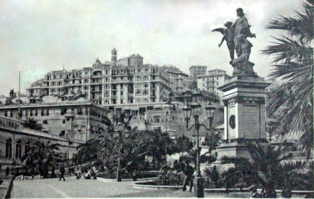 Duca-di-Galliera-inaugurazione-monumento-1024x711  Duca-di-Galliera-statua-Piazza-Commenda-e-Grand-Hotel-1024x651