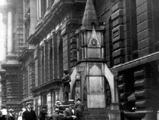 Chicago-fontana-Cristoforo-Colombo-326x245