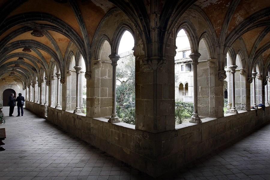 AB-Murtra-panorama-con-il-monastero-1024x683  AB-S._Jeroni_de_la_Murtra  AB-Murtra-Escudo_de_la_Orden_de_San_Jerónimo.svg_-1024x1011  AB-Murtra-scena-attentato  AB-Murtra-interno-del-chiostro-con-pianta-di-mirto-in-catalano-murtra  AB-MURTRA-chiostro