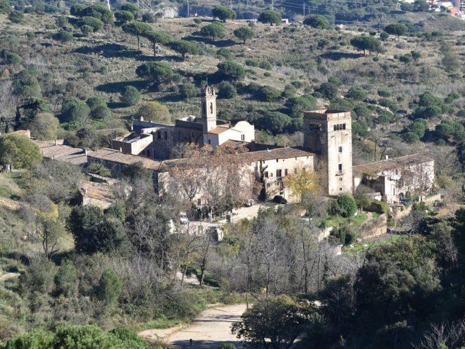 AB-Murtra-panorama-con-il-monastero-678x509