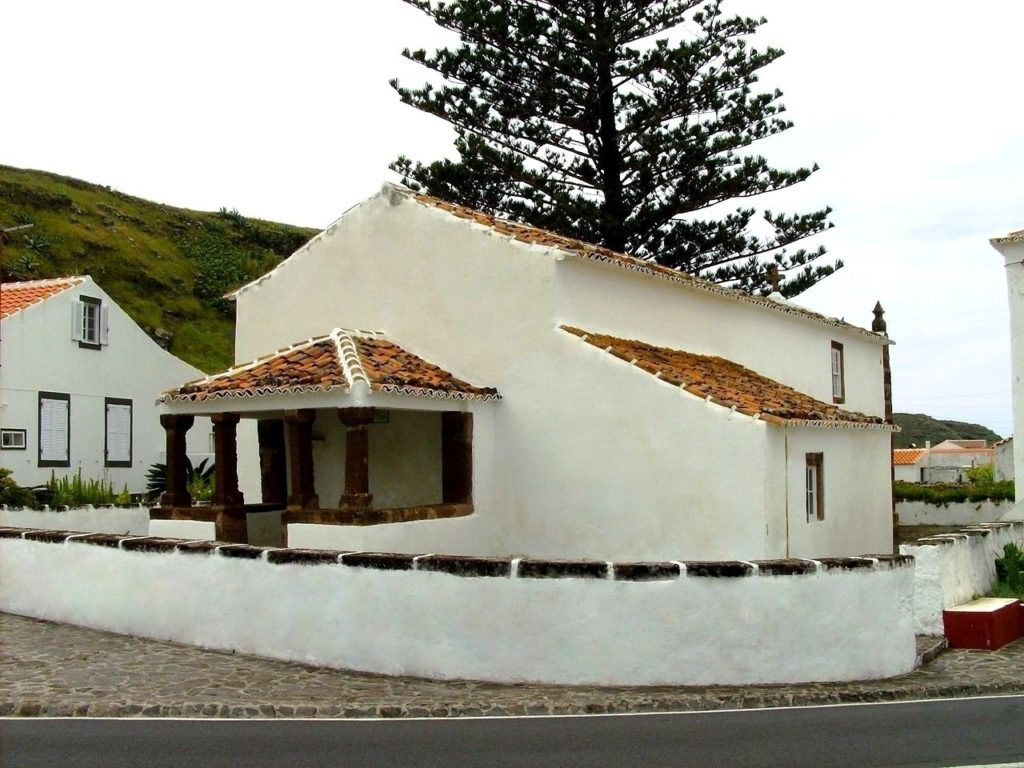 ANJOS-DOC-Ermida_e_logar_de_nossa_senhora_dos_anjos  ANJOS-DOC-facciata-768x1024  ANJOS-DOC-lato-sinistro-1024x768  ANJOS-DOC-DOC-lato-destro-1024x860  Santa-Maria-DOC-Entrata-cappella-anjos-santa-maria-island-archipelago-679x1024  SANTA-MARIA-ermida-de-nossa-senhora  ANJOS-DOC-Altare-768x1024  ANJOS-pirati-Erm_n_sra_anjos_chicote_piratas-1024x682  ANJOS-DOC-in-memoria-dellassalto-dei-pirati-barbareschi-Erm_n_sra_anjos_memoria_piratas_barbaria-768x1024  Santa-Maria-PULITA-1024x768