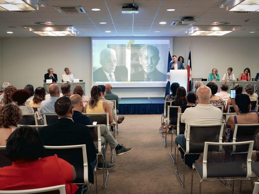 BOSCH-9-786x1024  BOSCH-Dominicana-il-ministro-canta-la-Gaviota-DOC-1024x768  BOSCH-lettera-ringraziamento-595x1024  BOSCH-2  Bosch-gruppo-1024x949  BOSCH-foto-di-gruppo  Bosch-con-console-1024x683  BOSCH-Lucy-Esther-Diaz  BOSCH-il-salone-1024x768