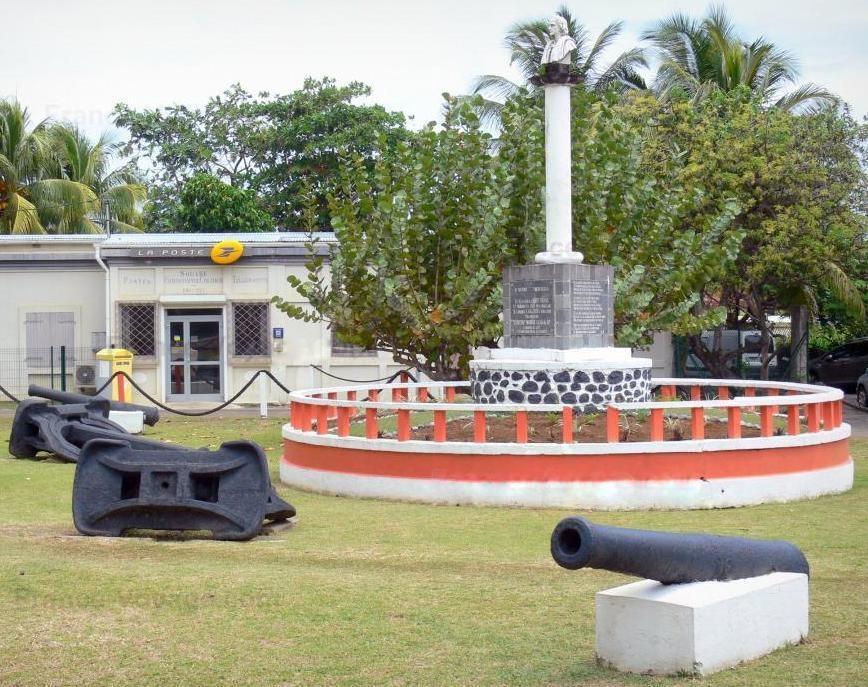 Guadeloupe-Sainte-marie-capesterre-belle-eau  Guadeloupe-resti-antichi  Guadaloupe-DOC-monumento-pulito-712x1024  Guadaloupe-DOC-Busto-al-cielo  Guadeloupe-200-metri  Guadeloupe-Mémorila-al-completo