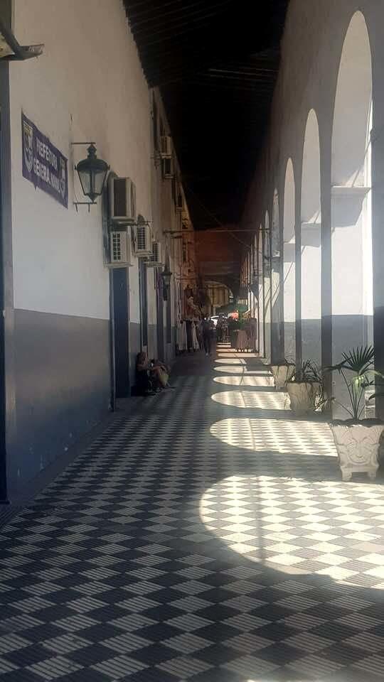 Recova-con-in-fondo-il-palazzo-della-dogana  Recoba-aduana  Recoba-colonnato