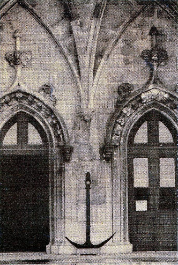 Azzorre-DOC-Nina-le-tre-ancore-viste-frontalmente  AZZORRE-Ancore-Nina-C.Colombo  Azzorre-Museu_de_Marinha_Lissabon_Eingang_September_2014-738x1024  AZZORRE-ancora-Nina-al-Museo-688x1024