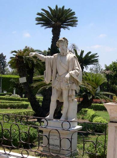 Alessandria-Colombo-510x1024  Alessandria-Egitto-Antoniadis10-768x1024  Alessandria-Nelson  Alessandria-Magellano-statua  Alessandria-statua-Vasco-da-doc