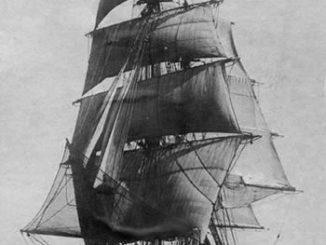 Nave-scuola-Cristoforo-Colombo-1928-1943-326x245
