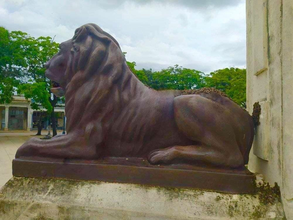 LEONE-Another_Lion_Bronze_Statue_at_Liberty_Park_in_Colon